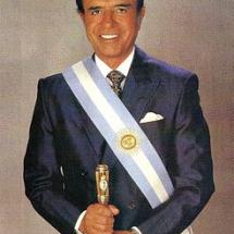 الرئيس الأرجنتيني كارلوس منعم
