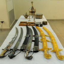 مجموعة من السيوف الدمشقية