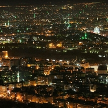 800px-Damascus_by_night