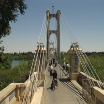 -Bridge of_Deir_ez-Zor,_over_Euphrates_river,_in_Syria